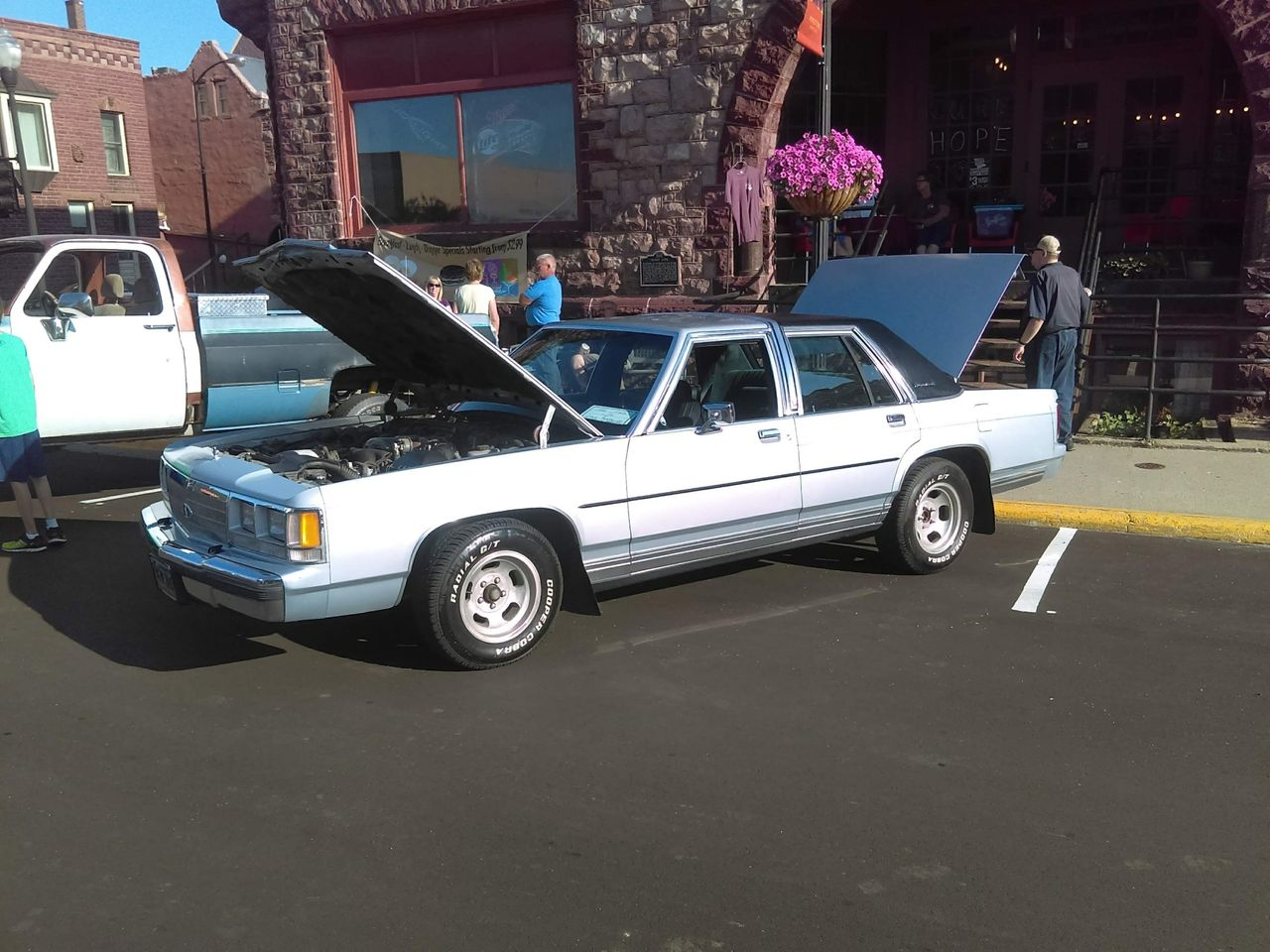 1991 Ford Crown Victoria_1