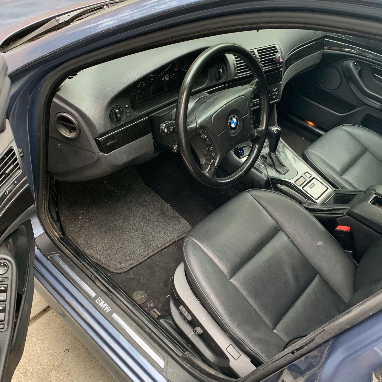 2001 BMW 5 Series 525i_8