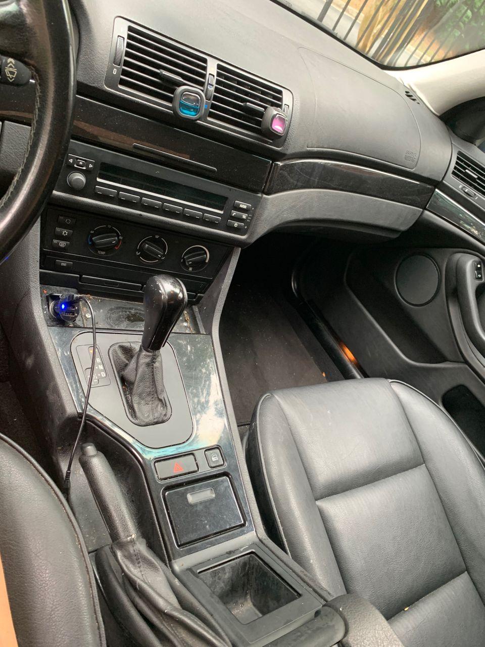 2001 BMW 5 Series 525i_10