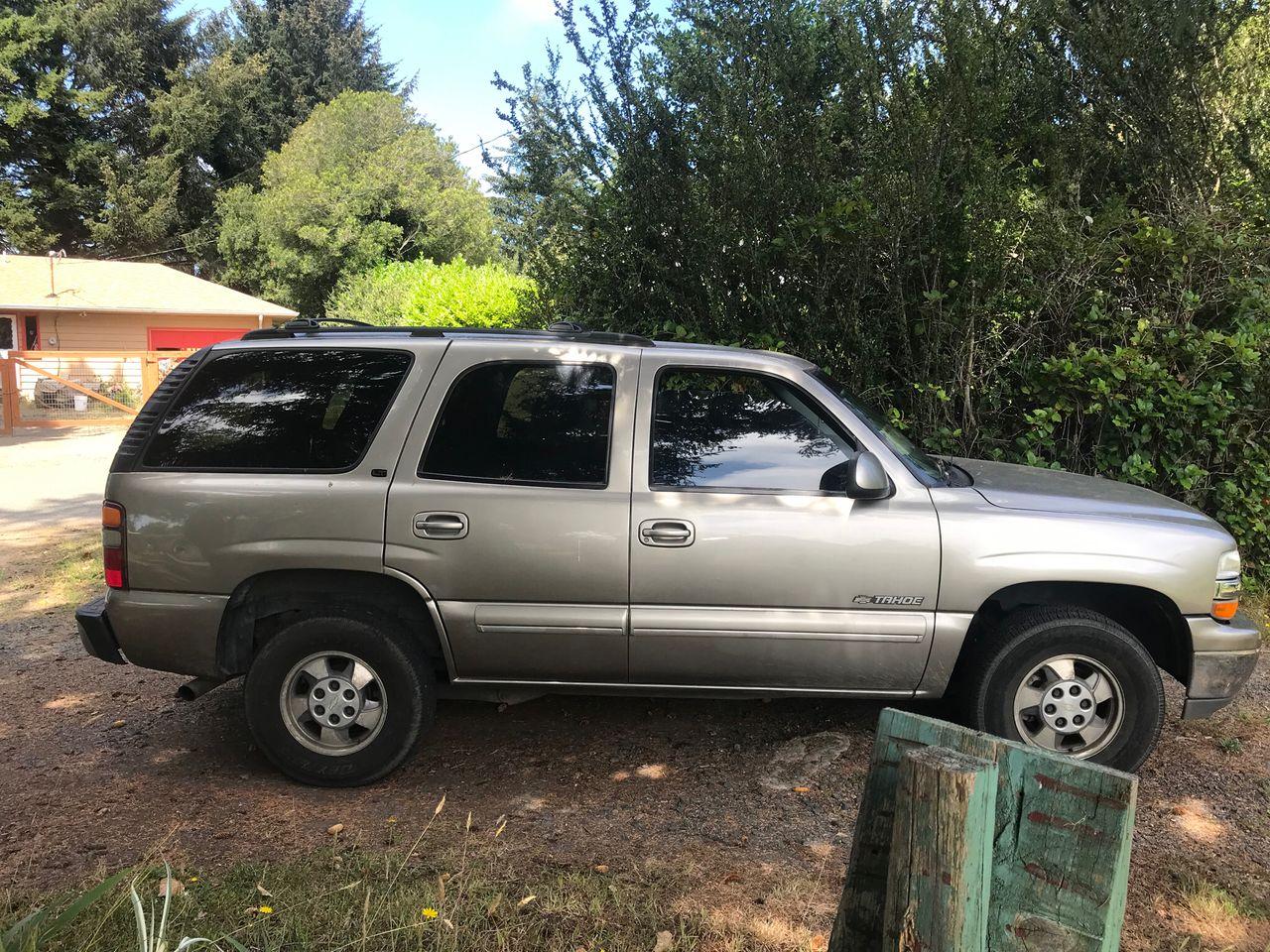 2001 Chevrolet Tahoe LT   Coos Bay, OR, Doeskin Tan (Brown & Beige), 4 Wheel