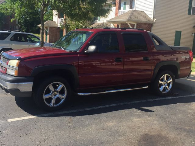 2004 Chevrolet Avalanche 1500, Sport Red Metallic (Red & Orange), 4 Wheel